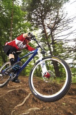 Alan Muldoon riding the Mondraker Foxy