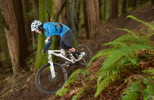 The slack head makes the Mojo HD as competent downhill as it is on the climb.