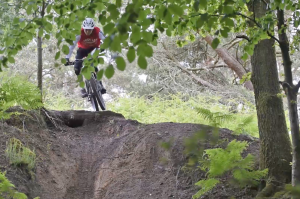 How to jump on a mountain bike