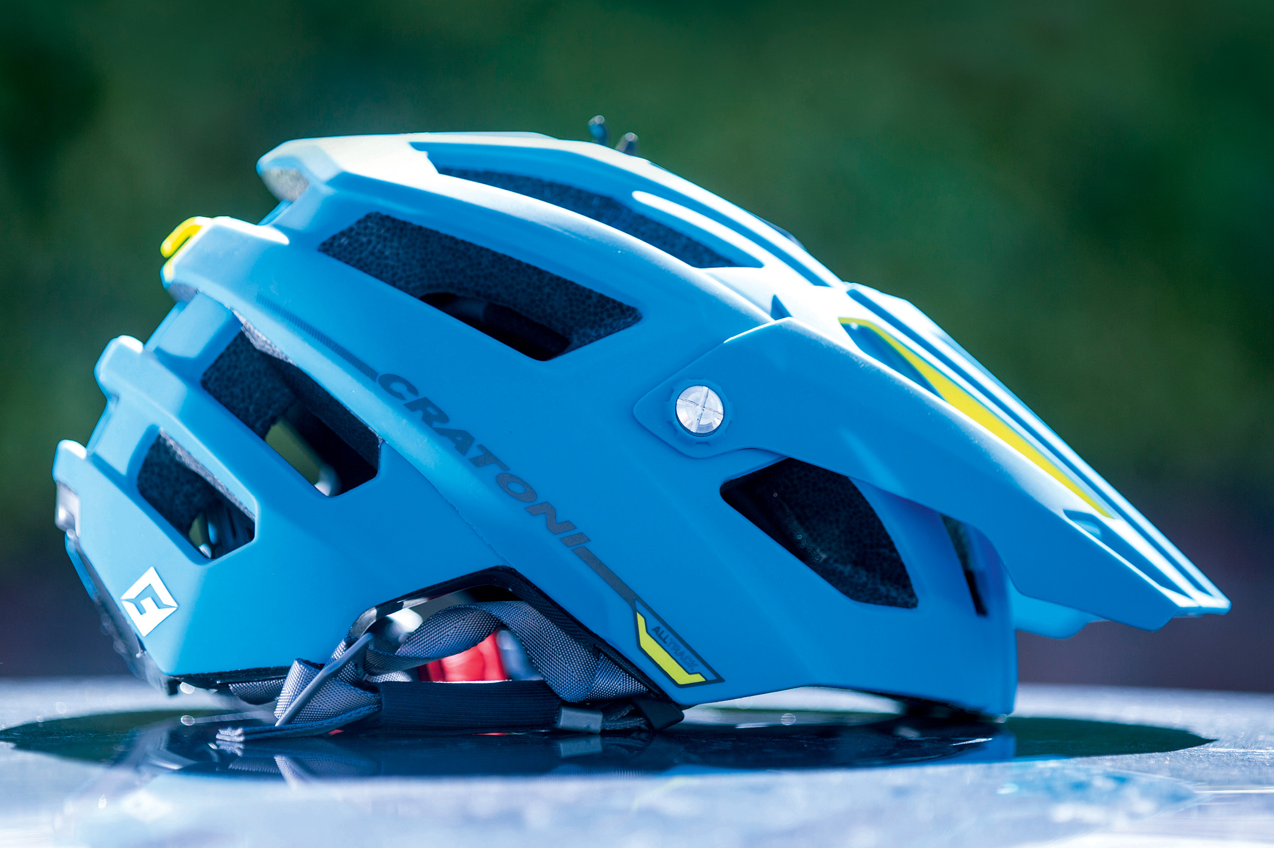 cratoni alltrack  Cratoni AllTrack helmet review - MBR