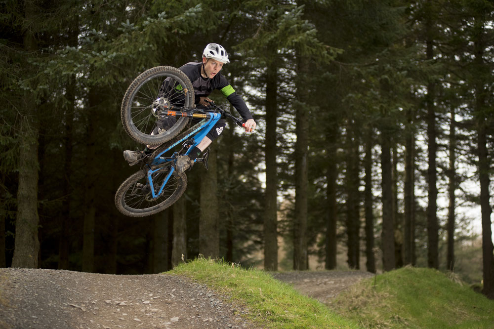 How to jump on a mountain bike - MBR