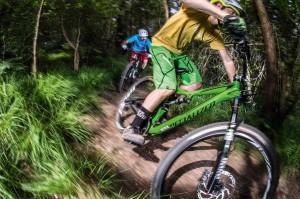 mountain bikes under £2,000