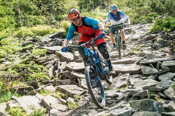 39 ways to win friends while mountain biking - MBR