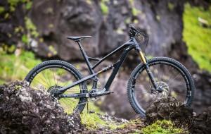 Jeffsy full bike on black