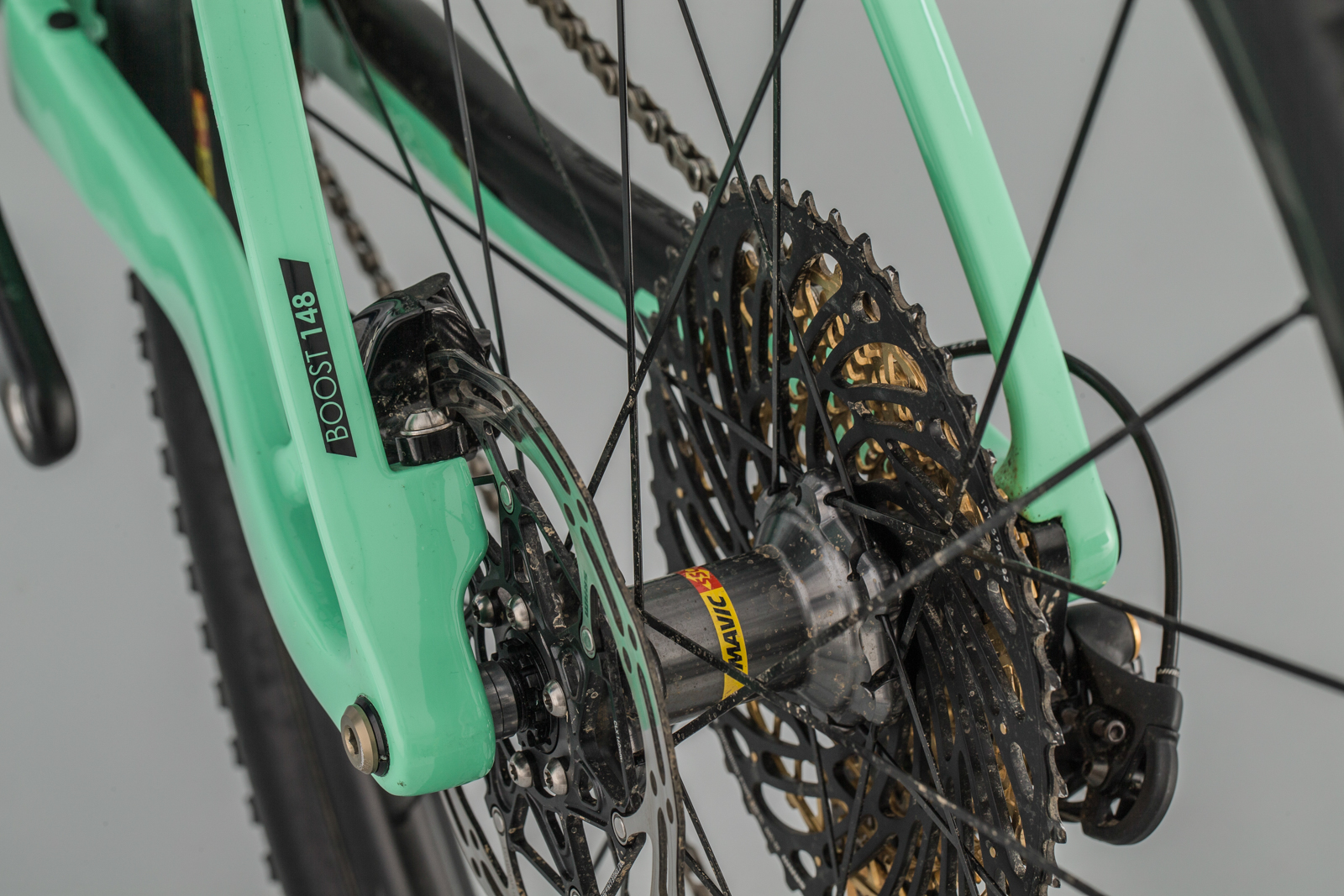e88c80d63a1 Hate your wrists? Love climbing? Here's the bike for you - MBR