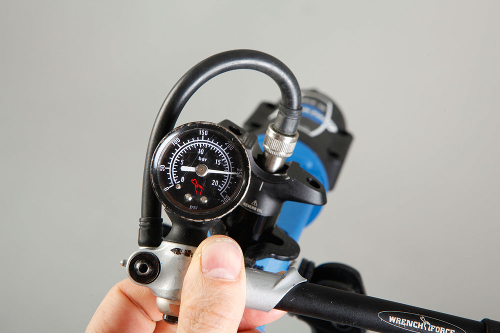 How To Inflate Your Rockshox Reverb Stealth Mbr