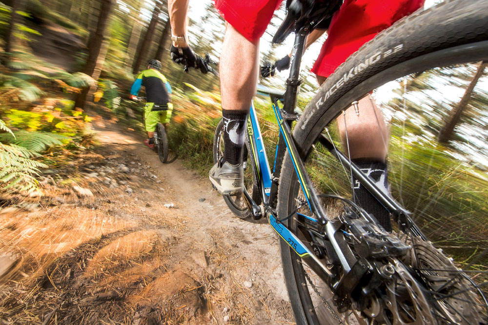The dos and don'ts of riding in a group - MBR