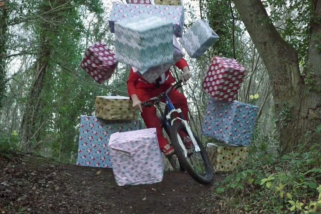 Cheap Christmas gifts for mountain bikers: 11 ideas under £25 - MBR