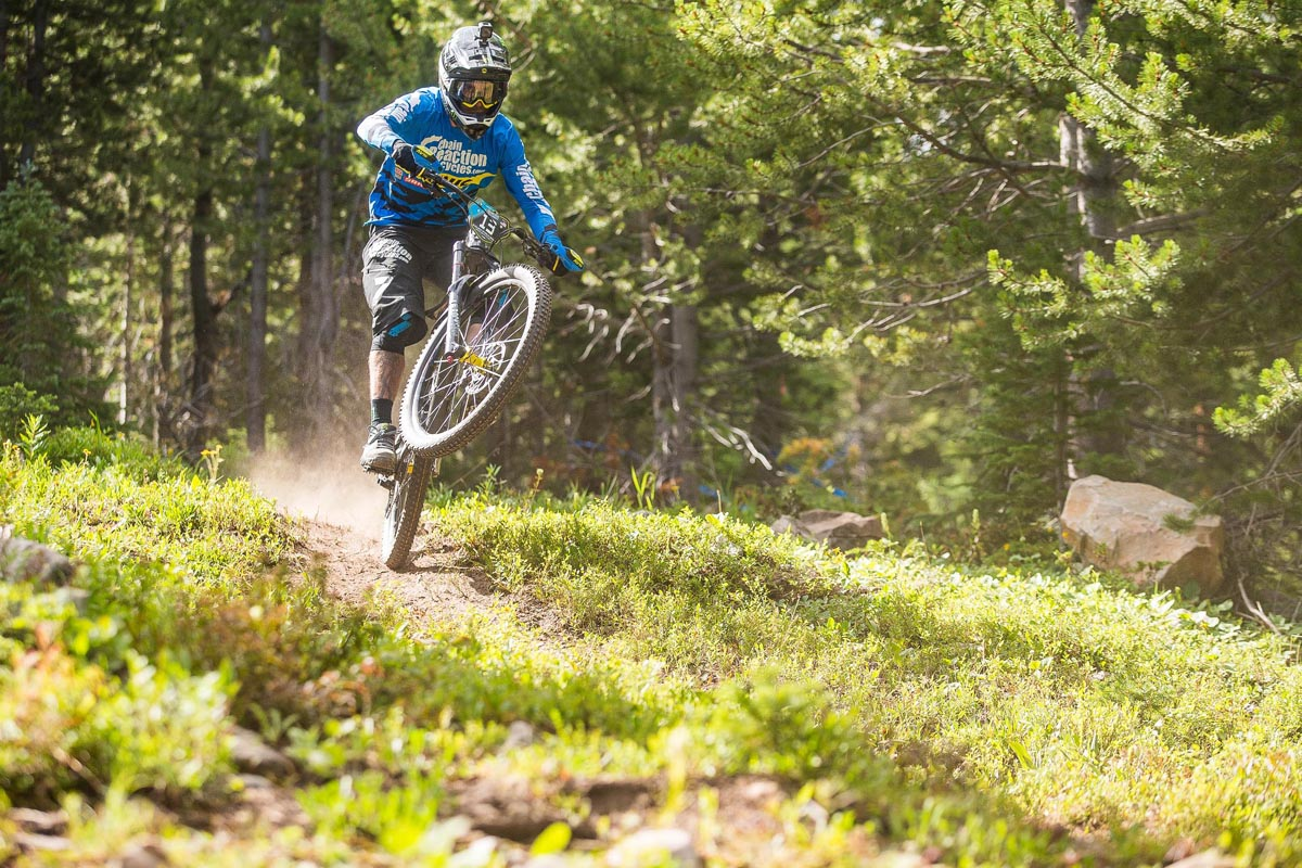 Which Five Ten Mountain Bike Shoes Are Right For You Mbr Anatomy Diagram On Mtb Dirt Jump Bikes Sam Hill Pic Team Chain Reaction Cycles Mavic