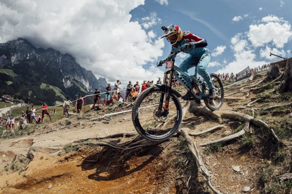 Red Bull Mountain Bike >> Red Bull To Continue Broadcasting Live Uci Mountain Bike