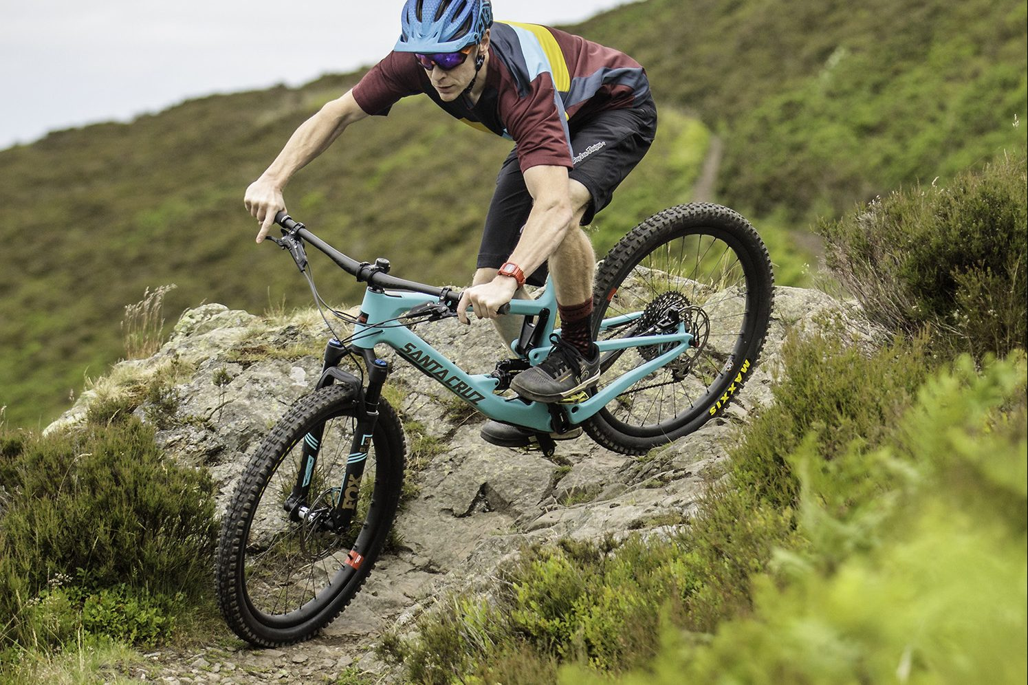 3532d795000 The new Santa Cruz Bronson first ride video - MBR