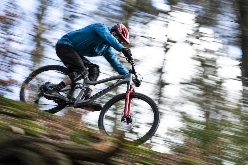The best mountain bikes under £2000: hardtail and full suspension - MBR