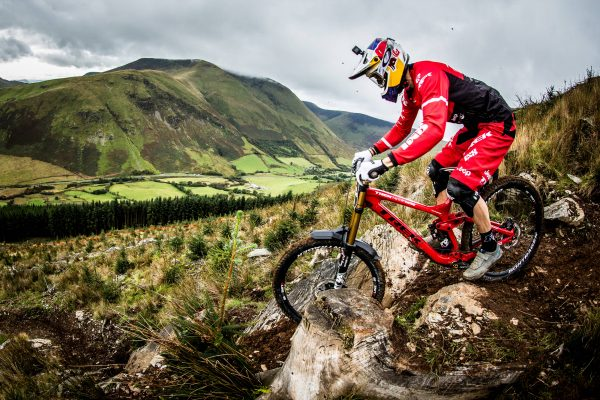 4d24409cbaf Gee Atherton performs at Red Bull Hardline 2017. Photographer: Boris Beyer  / Red Bull Content Pool. World's toughest downhill ...