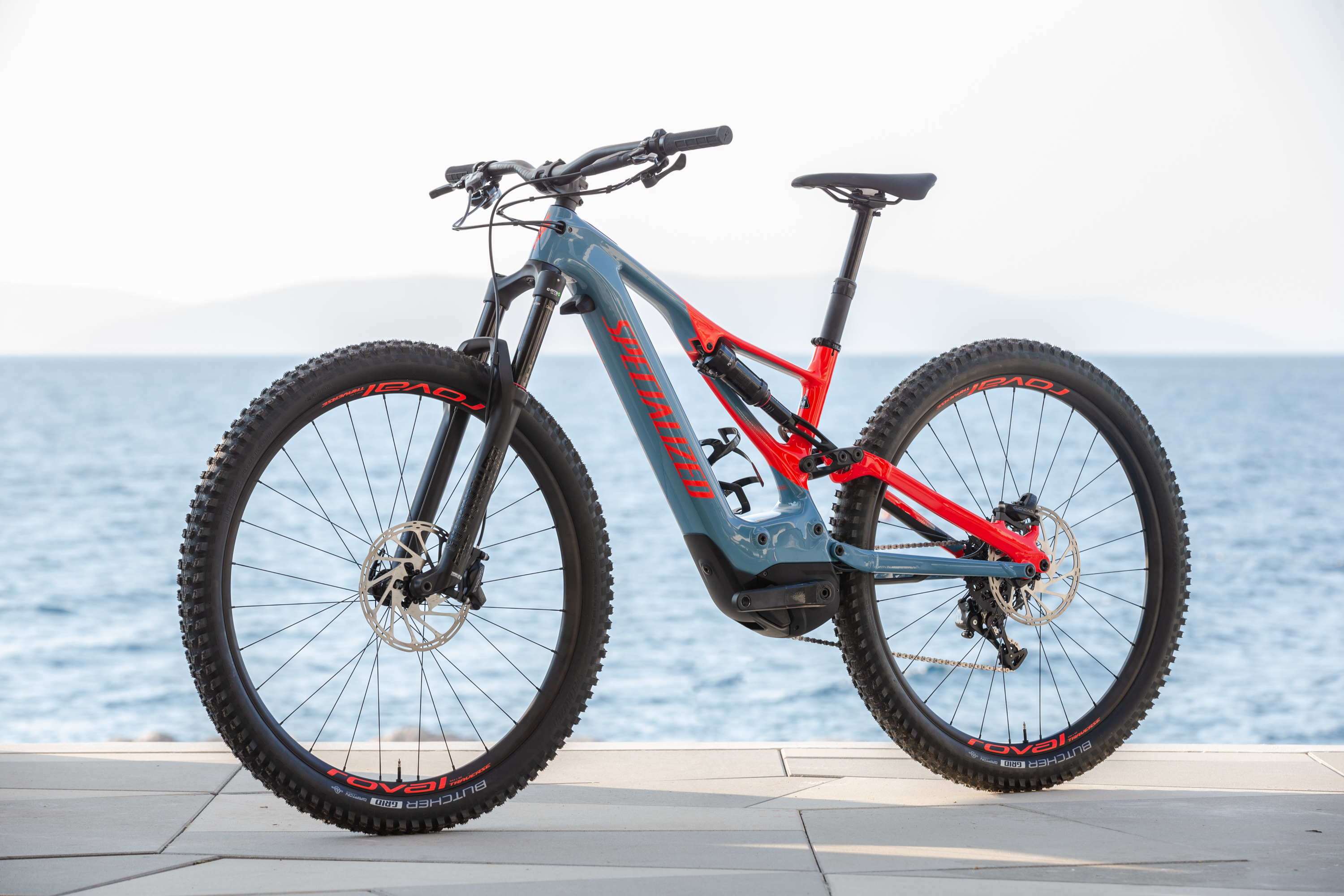 2610cea3458 2019 Specialized Turbo Levo first ride - MBR
