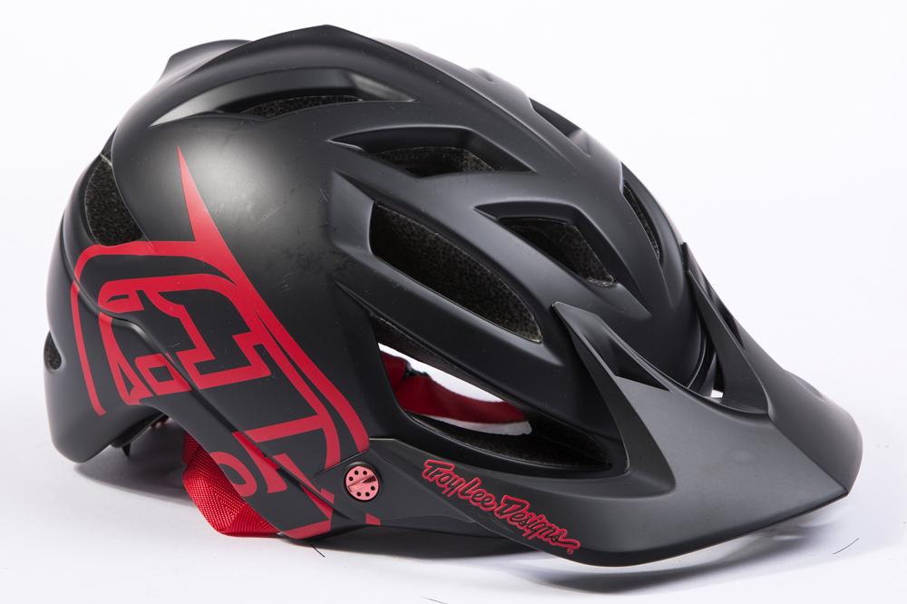 Troy Lee Designs Helmet >> Troy Lee Designs A1 Helmet Review Mbr