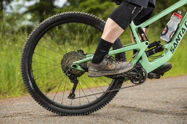 Best mountain bike shoes: flat and