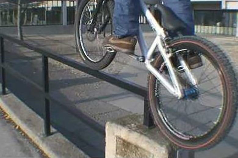 Watch the last video Danny MacAskill did BEFORE he went mega-viral in 2009 - MBR