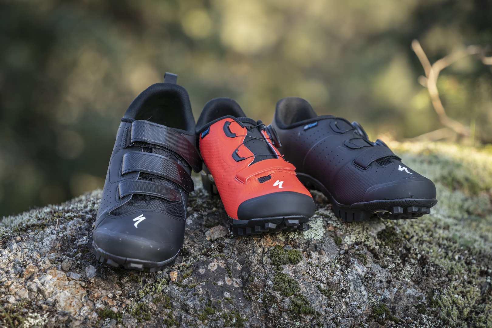 Check out the new Specialized Recon clipless shoe range - MBR