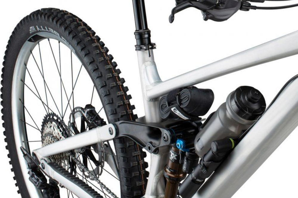 Spotted: new Schwalbe Big Betty and Super Trail casing - MBR