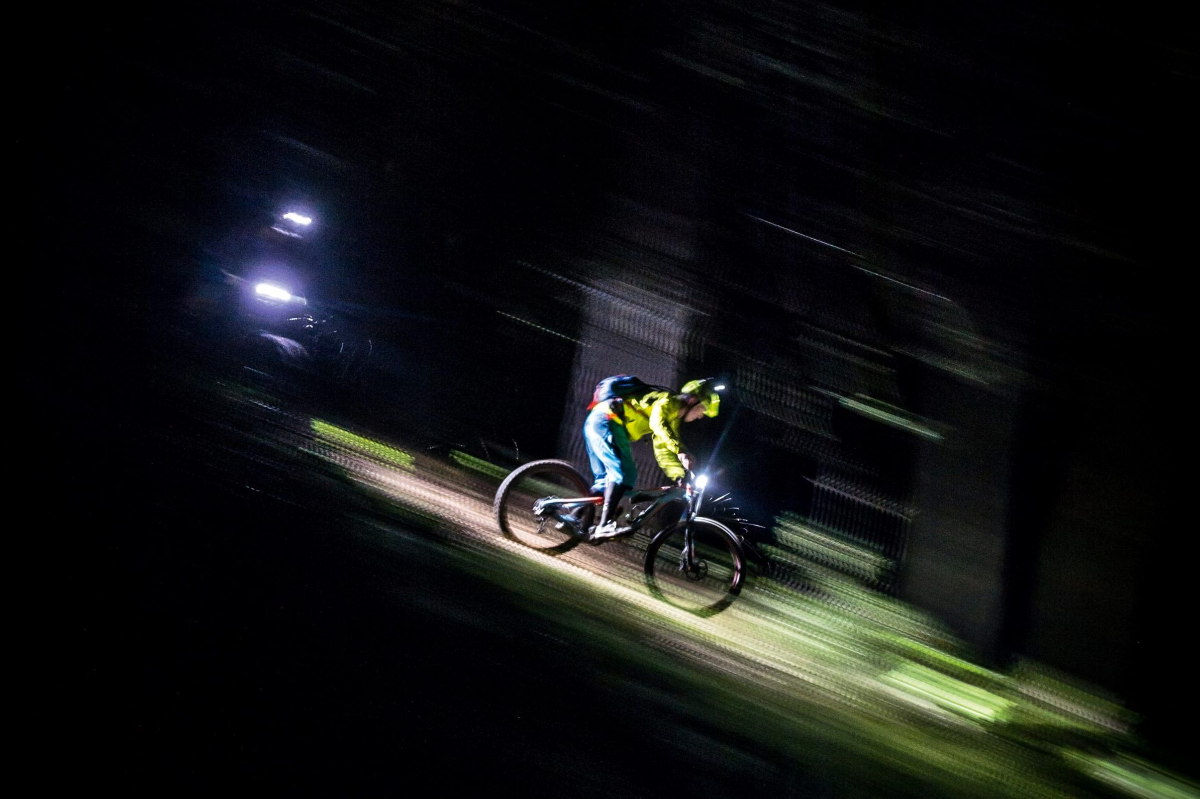 Best mountain bike lights: find your flow in the darkness - MBR