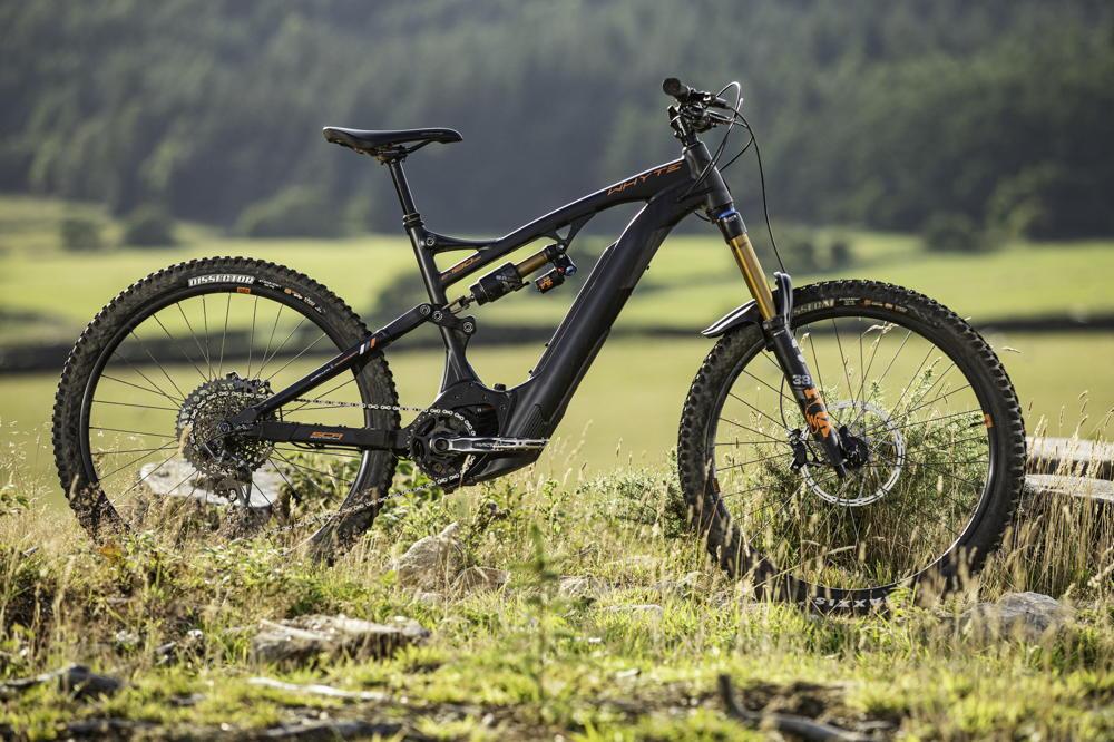 Whyte E-180 RS V3 review: self-shuttling enduro bike? You bet! - MBR