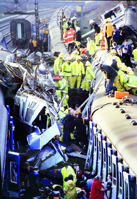 Clapham rail crash, 1988. Canon F-1, 300mm, Fujichrome Sensia 200