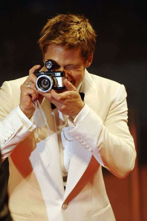 Brad Pitt spotted with a Lomo camera
