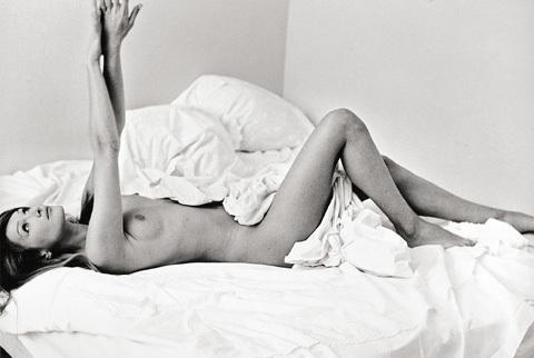 Nude Carla Bruni