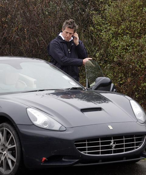 Hugh Grant's car breaks down
