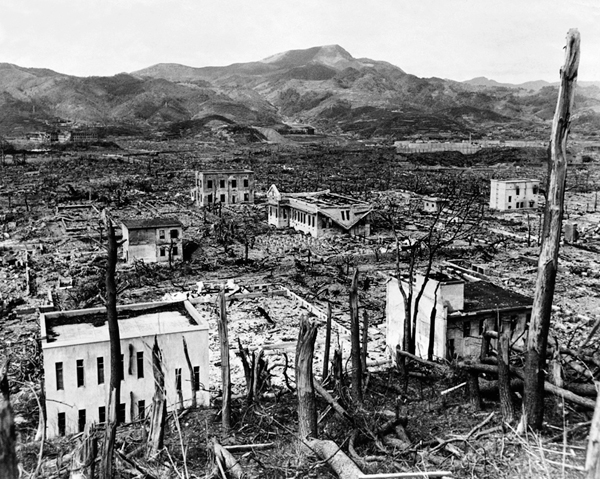 nagasaki nuclear expoision 20 interesting facts about hiroshima and nagasaki bombing by let's explore some interesting facts about the hiroshima and nagasaki bombings, the first and last atomic bomb attack atomic bomb mushroom clouds over hiroshima (left) and nagasaki (right.