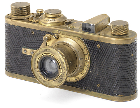 leica dating