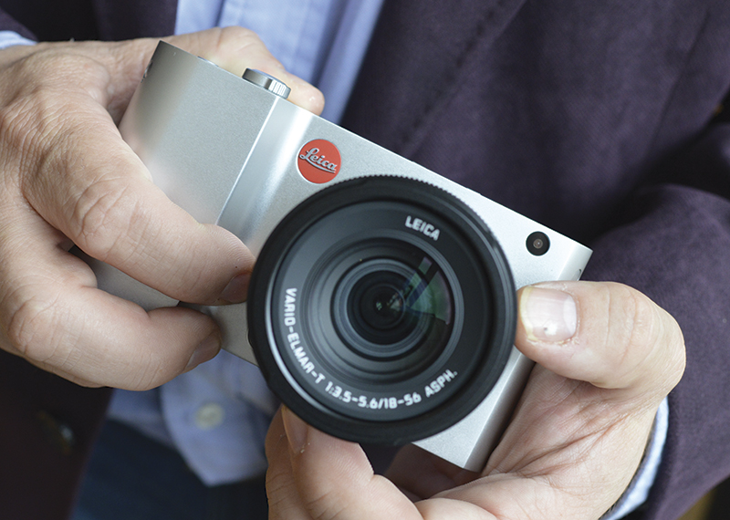 Leica T hand held
