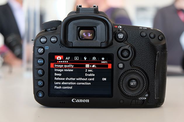 canon eos 7d mark ii tips 13 things you didn t know. Black Bedroom Furniture Sets. Home Design Ideas