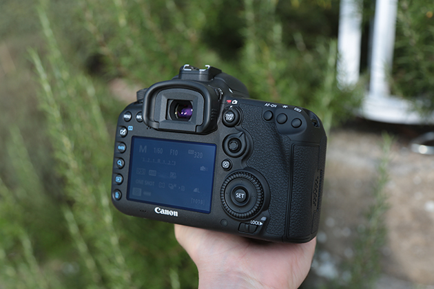 Canon EOS 7D Mk II hands on 5
