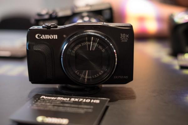 Canon SX710 HS