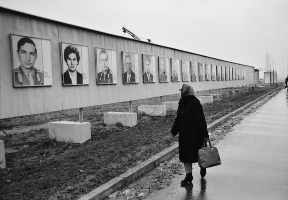 Unseen cartier bresson images in leica show for Bresson fotografo