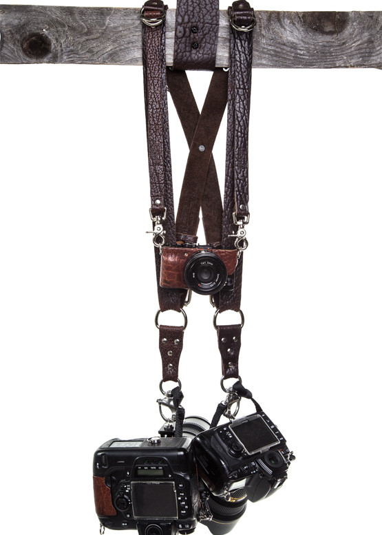 Best Harnesses And Straps For Wedding Photographers