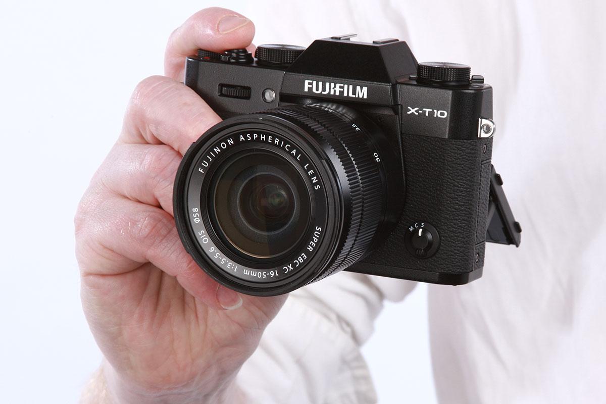 Fujifilm X Series >> Fujifilm X-T10 versus Panasonic Lumix DMC-G7: The 7 Key Differences - Amateur Photographer