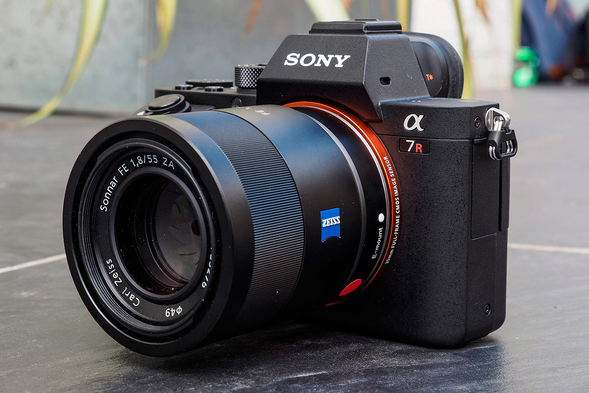 sony alpha 7r ii review hands on first impressions amateur photographer. Black Bedroom Furniture Sets. Home Design Ideas