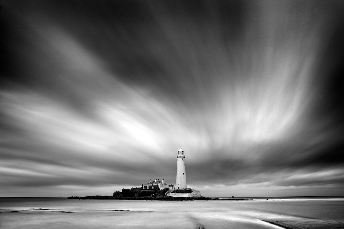 St marys island tyne wear a long exposure recorded the streaky sky in