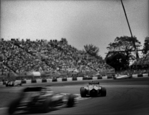Photographer shoots amazing F1 images with a hundred-year-old Graflex camera