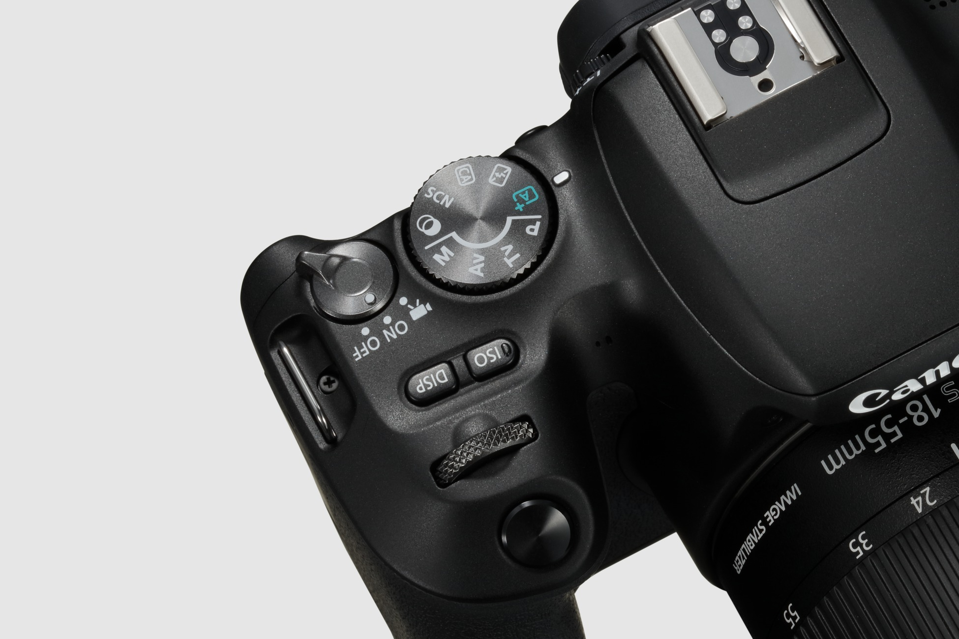 Canon Reveals The Eos 200d As Its Latest Lightweight Dslr Amateur 100d Kit 18 55 Is Stm 100 D Theres Also A Built In Flash With Guide Number Of 98 And Those Who Require Bit More Power Can Always Attach One Canons Speedlite Ex Series Via