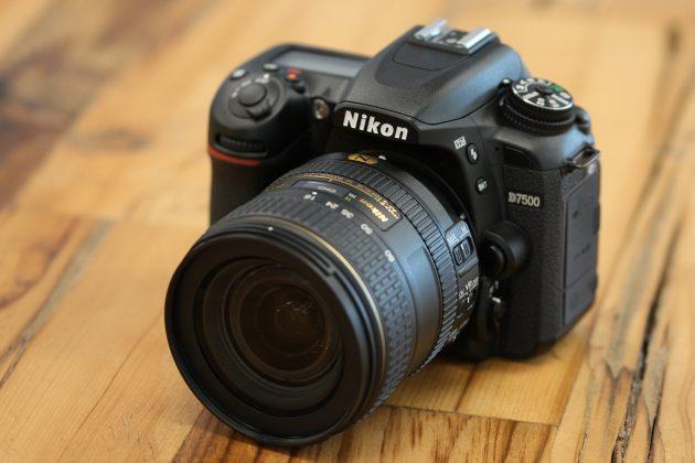 كاميرا Nikon D7500