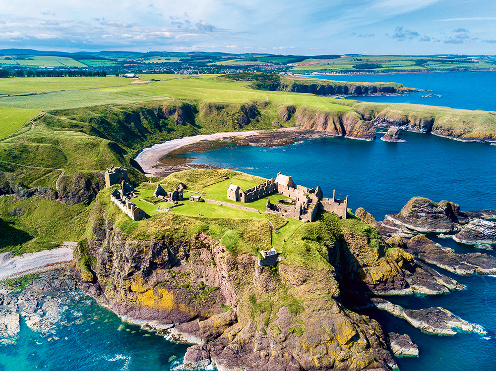 Drone photography Dunnotar castle, scotland