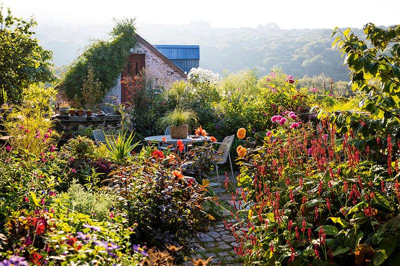 Gardens use a reflector