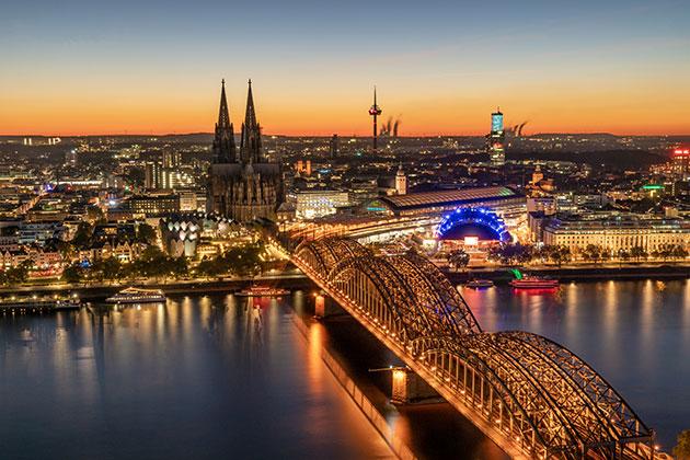 Get better night shots of cities - Amateur Photographer