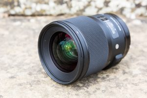 Lens reviews: Camera lens reviews, tests and specifications