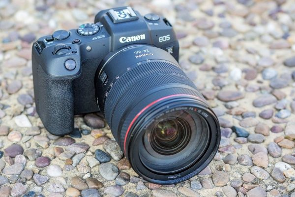 Times still tough for big camera makers