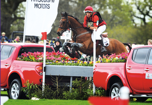 Paul Tapner and Inonothing on their way to winning Badminton Horse Trials 2010