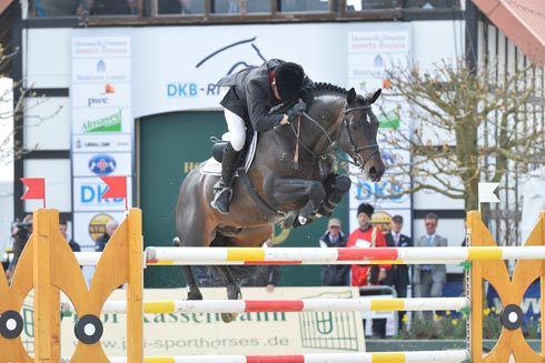 John Whitaker riding Argento in Hagen. Photo: Karl-Heinz Frieler